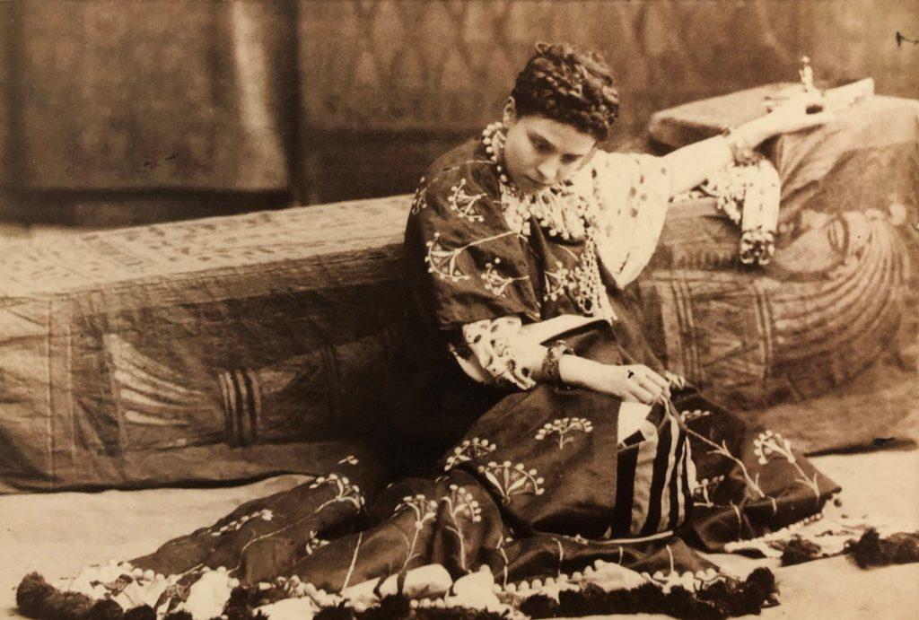 Audouard Eleonora Duse in Antonio e Cleopatra 1890 circa Roma Biblioteca e Museo Teatrale del Burcardo