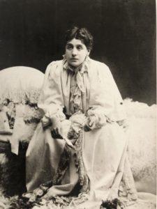 Ritratto di Eleonora Duse in La Signora dalle camelie 1895 circa Roma Biblioteca e Museo Teatraledel Burcardo