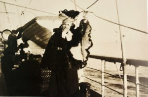 Ritratto di Eleonora Duse in viaggio verso la Grecia 1899 circa Venezia Fondazione Giorgio Cini